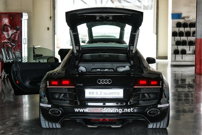 Audi R8 V10 5.2 FSI Quattro (HDR)